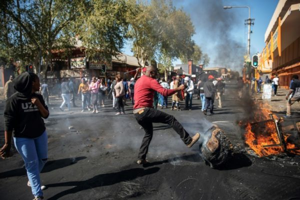 Protest against foreigners -Protest in South Africa over hiring of foreign nationals
