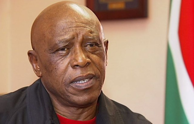 Tokyo Sexwale was fooled by a common internet scam