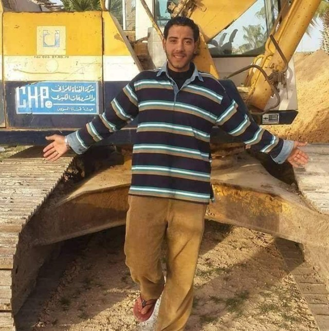 Suez Canal bosses say the excavator operator who helped free Ever Given is getting a bonus