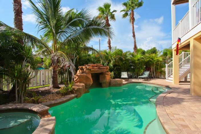 vacation rental home pool