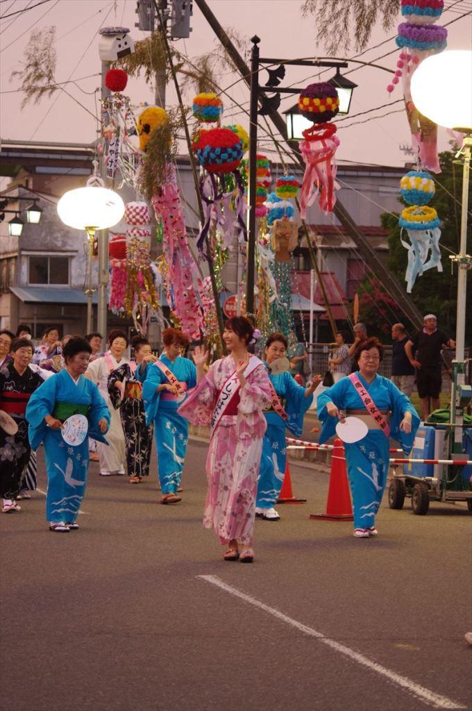 手踊りパレード