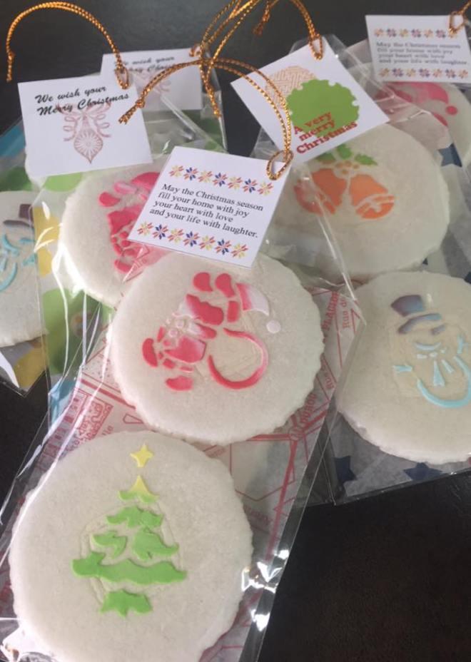 山形、佐藤屋のクリスマス和菓子は、ツリーに飾って良し!