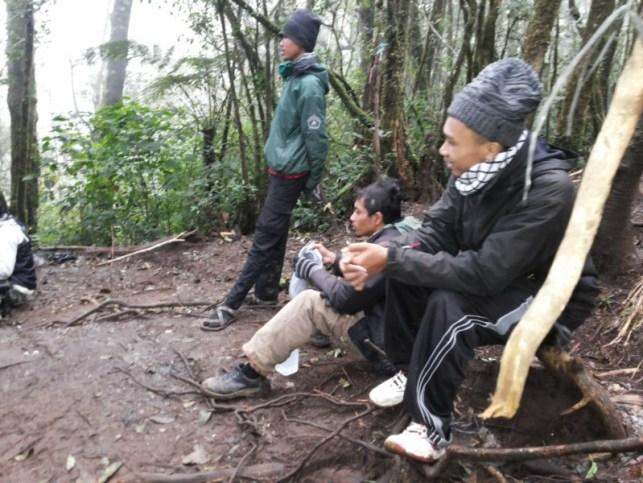 satriabajahitam.com - pendakian gunung cikuray 3