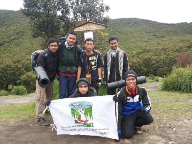 satriabajahitam.com - pendakian gunung cikuray 5