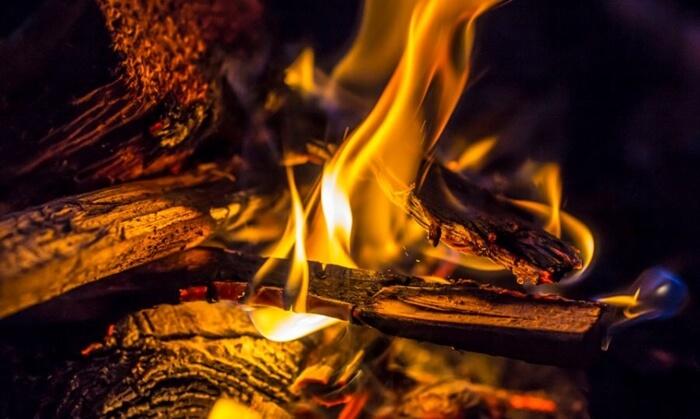 azab neraka bagi orang yang suka meninggalkan shalat