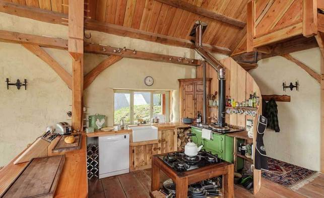 Log-Cabin Country Kitchen - pinterestcom