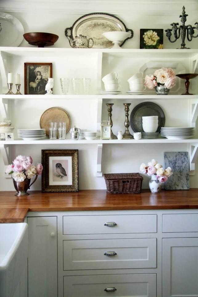 Country Kitchen Shelf Display - planakitchencom