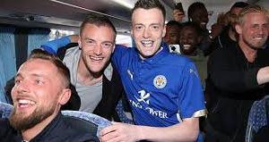 Jamie Vardy lookalike trapped in car by mistaken fans