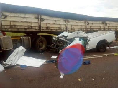 11 killed in truck and bakkie head-on crash