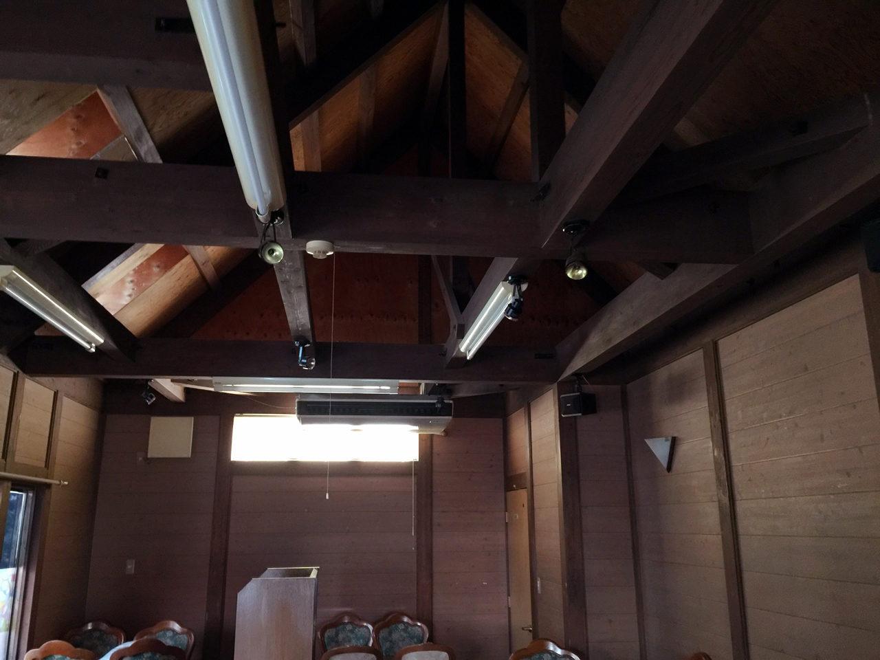 市街化調整区域での住宅の建て替え設計・デザインの既設喫茶店の店内天井