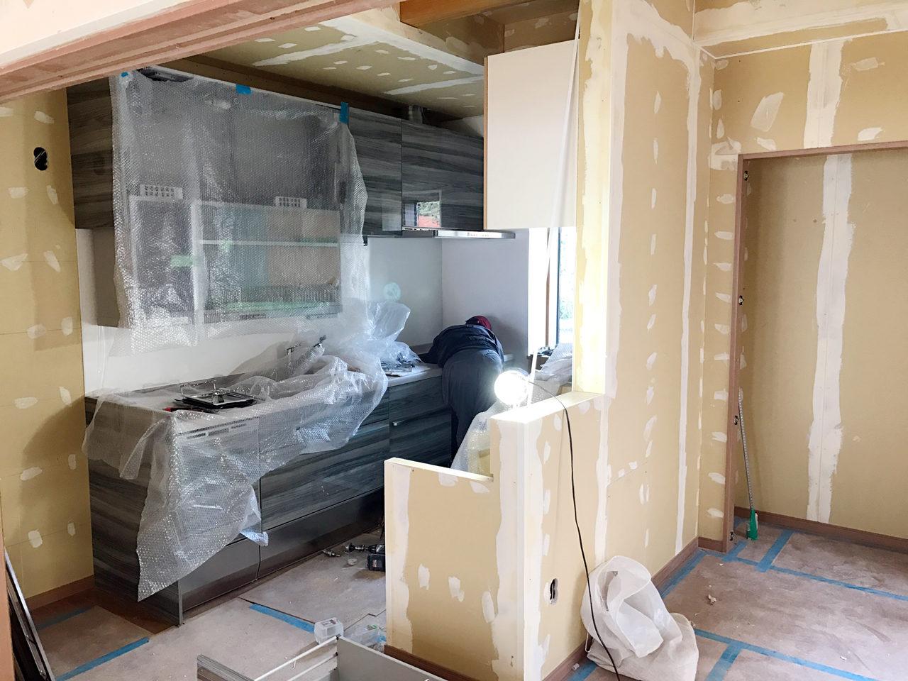 設計・デザインをした木造平屋建てバリアフリー住宅の施主支給品システムキッチン