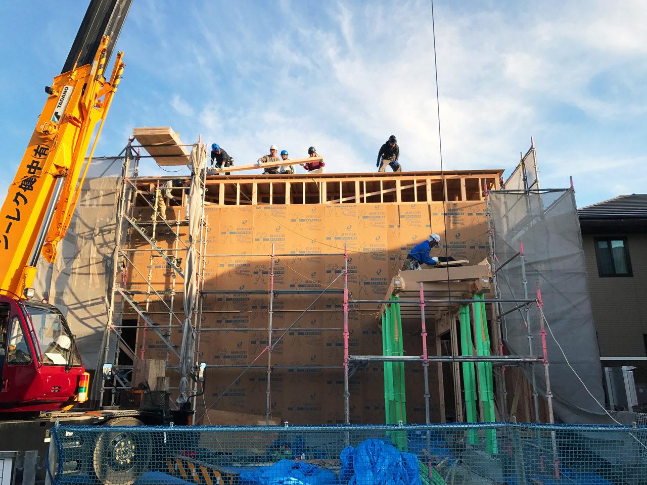設計・デザイン、独立開院・開業支援をしている店舗(鍼灸接骨院)付き住宅の上棟