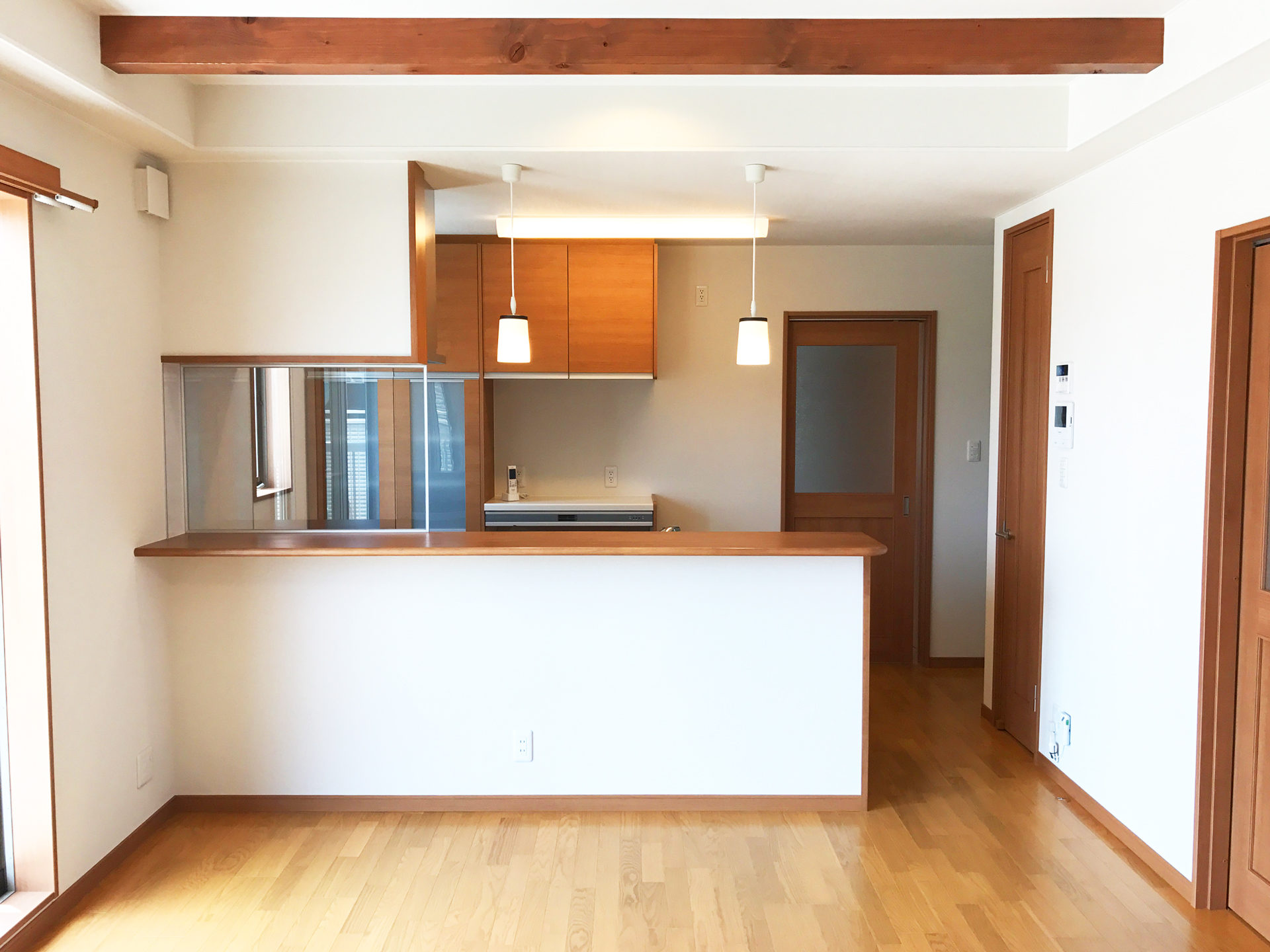 設計・デザインをした店舗(鍼灸接骨院)付き住宅のLDK