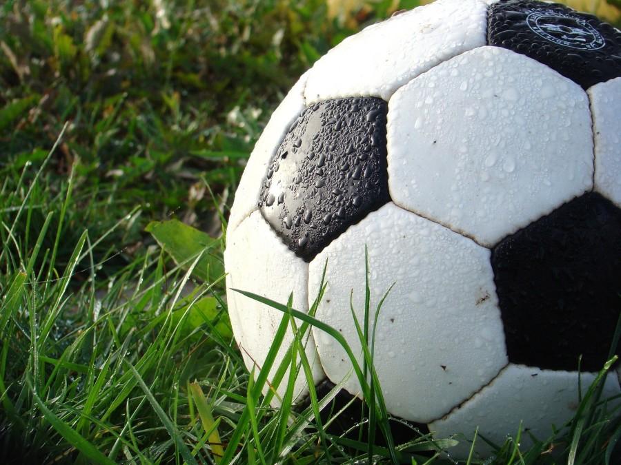 Pemain sepak bola tertua