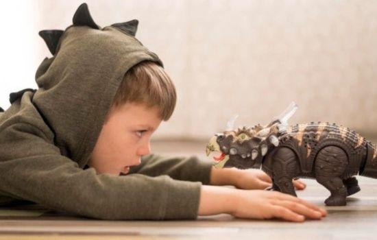 Anak Kecil Mana Sih yang Tidak Penasaran Dengan Dinosaurus