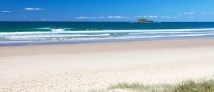 Marcoola Beach (www.australiatravel.com)