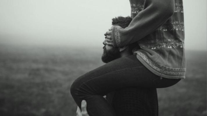 the joy in trusting man carrying woman saturdaysoul.com blog