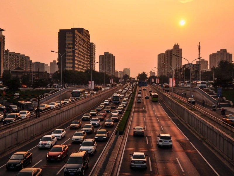 8 strange traffic laws around the world