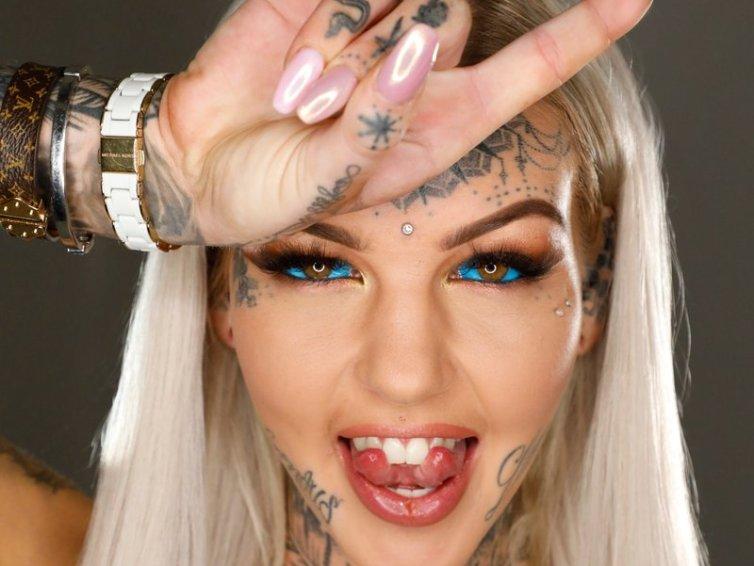 Anal Tattoo Girl 2.0