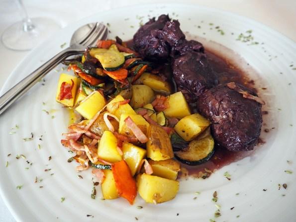 Bochechas de Porco Estufadas com Vinho Tinto