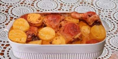Coxa e Sobrecoxa com Batatas