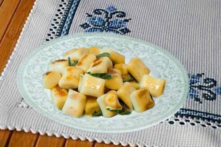 Nhoque de Batata Doce com Manteiga e Sálvia