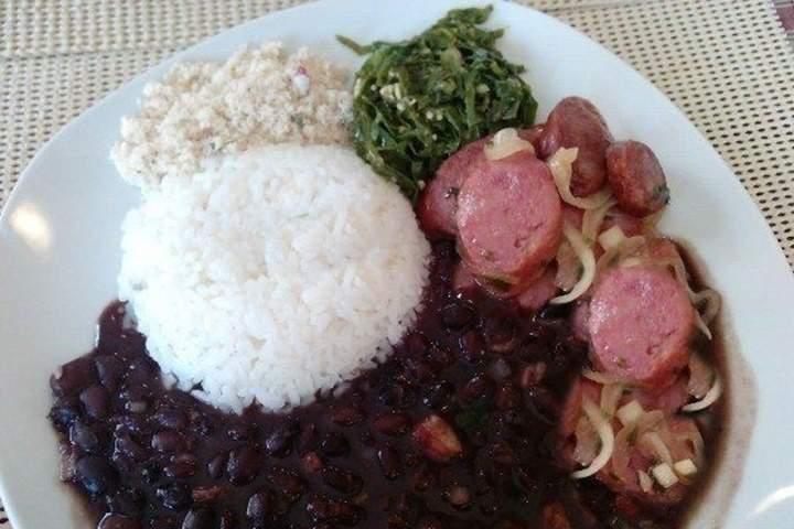 Feijão Preto com Carne-Seca
