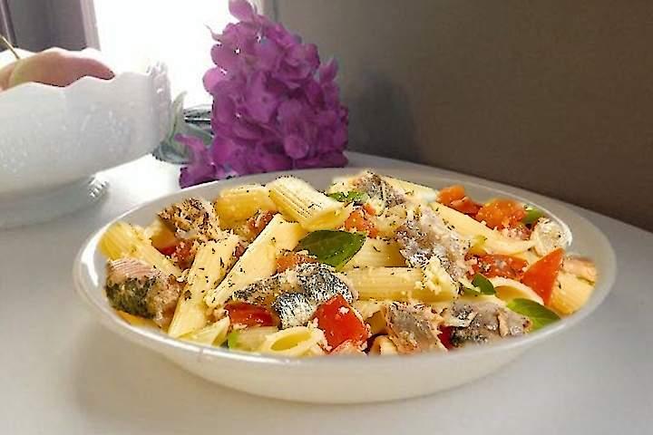 Salada de Penne com Sardinha