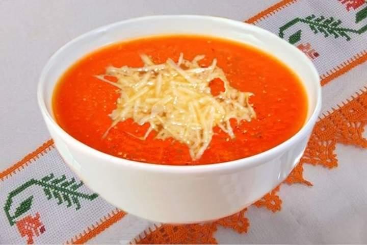 Sopa de Tomate com Laranja