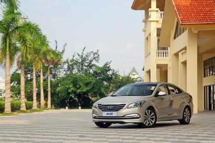 Hyundai-Mistra-Sedan-26[2]