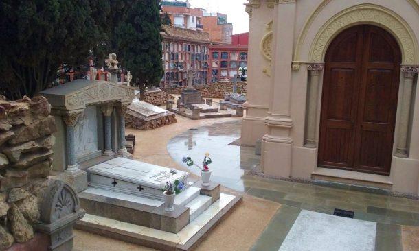 Paviment Sauló Sòlid un mes després execució cementiri Sants Barcelona 01