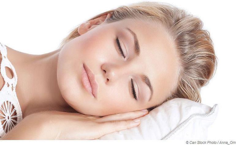 Ausreichend Ruhe und Schlaf hilf bei Schnupfen und Erkältung