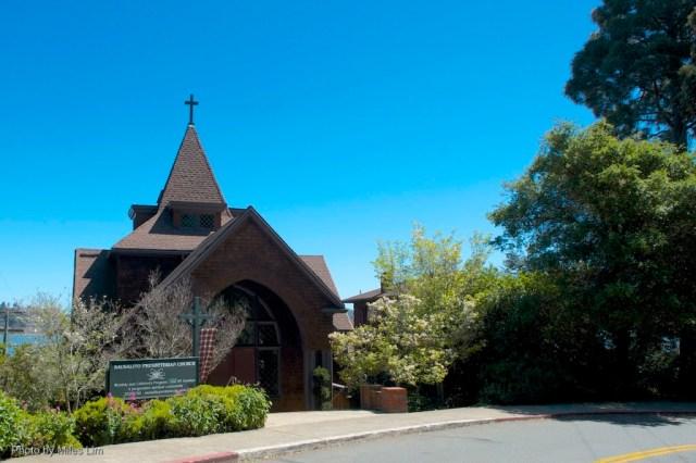 24 Church with tartan blue sky horiz D7K_4048
