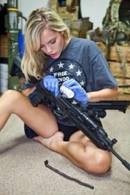 Girls with Guns 015