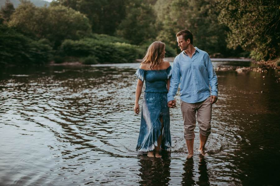 engagement session outfits