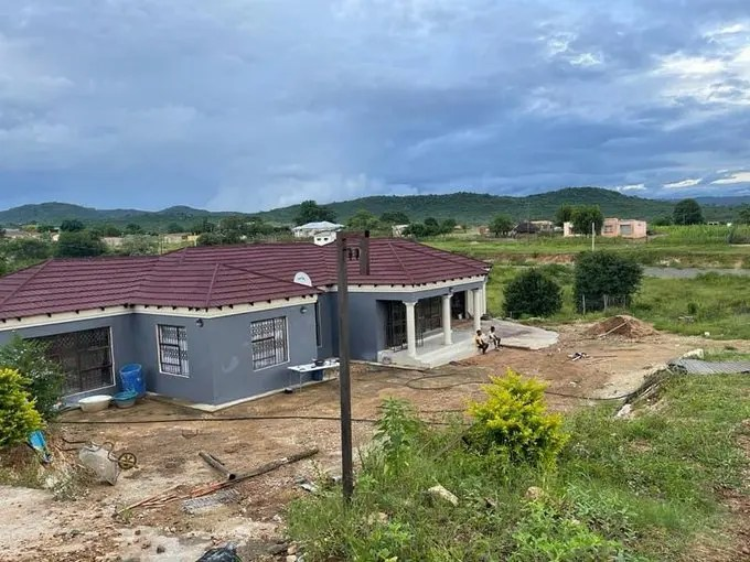 Limpopo song and dance Queen Makhadzi blessed her Mum with a big house