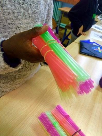 modèle inventé par les élèves pour expliquer les fibres et fibrilles musculaires