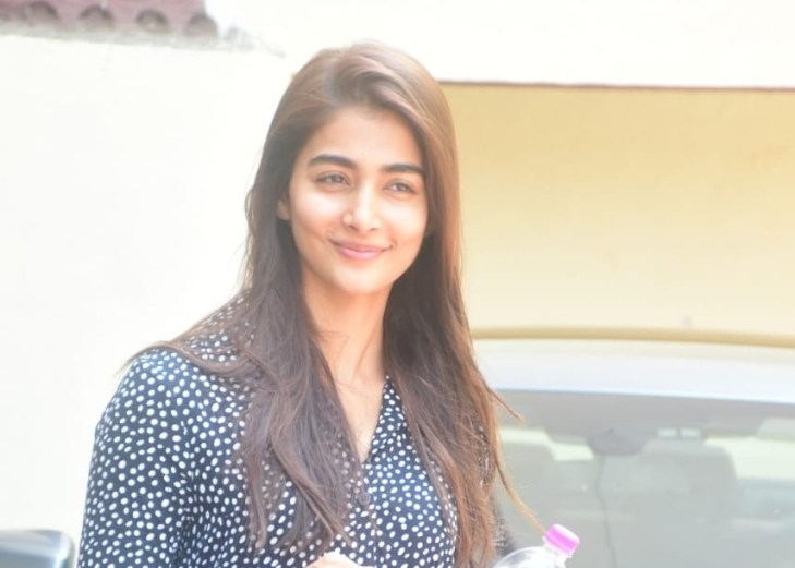 Pooja Hegde Spotted In Bandra
