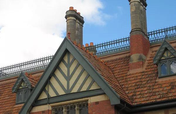 Kitchen Yard Roof Detail