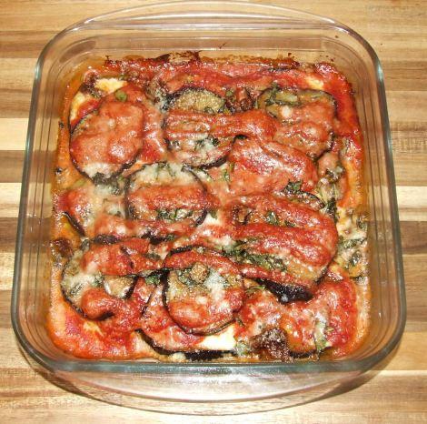 le gratin d'aubergine à la parmesane après sa cuisson au four