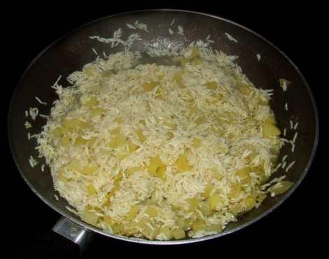 le riz aux pommes de terres du poulet tikka masala