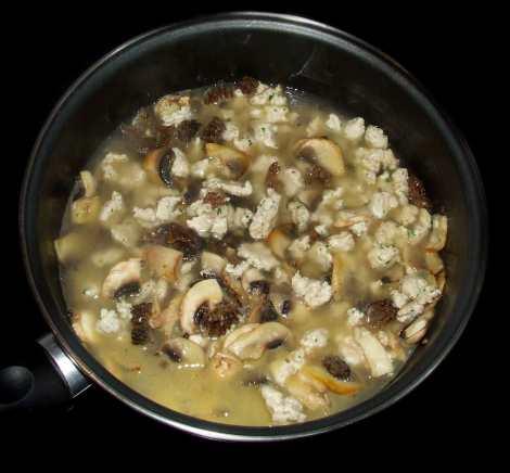 la cuisson des ingrédients du risotto aux morilles
