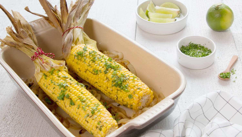 maïs grillé et beurre aux herbes