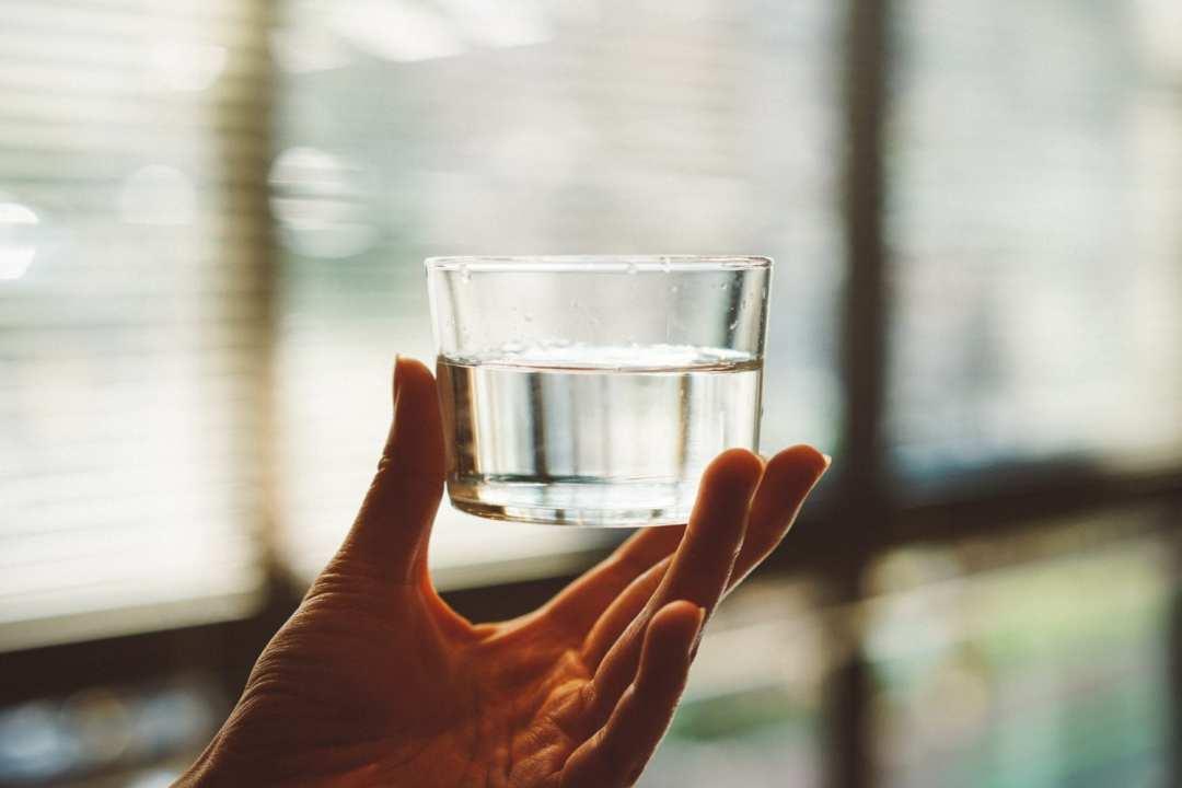 eau pétillante bru unsplash manki kim