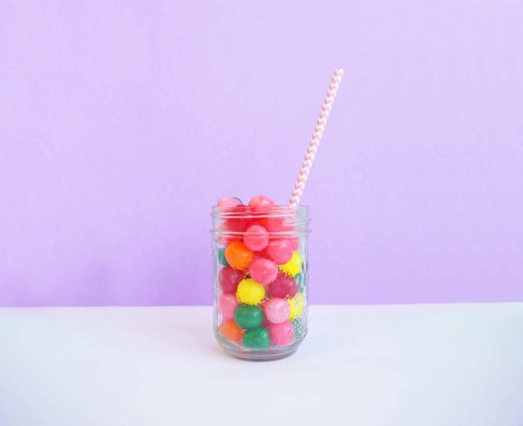 Bonbons - Unsplash - Sarah Takforyan