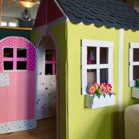 Una casa de cartón plegable para niños