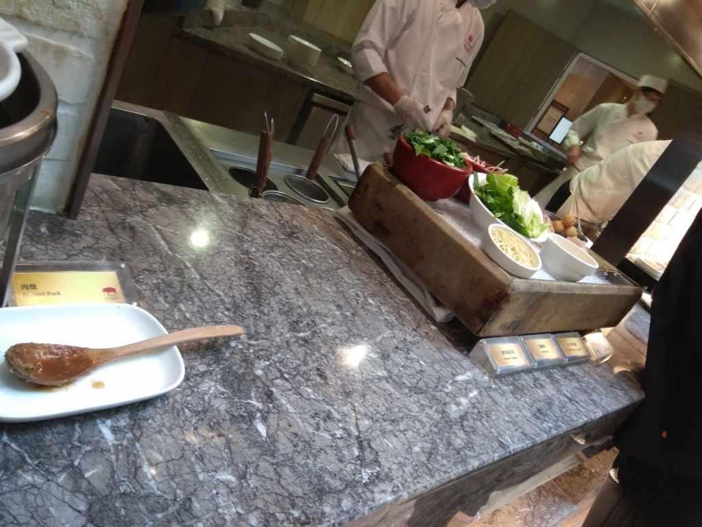 台北福華大飯店彩虹座自助餐吃到飽Rainbow Terrace-1000元有找buffet好選擇-這是擔仔麵嗎