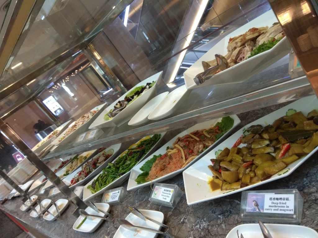 台北福華大飯店彩虹座自助餐吃到飽Rainbow Terrace-1000元有找buffet好選擇-涼拌區,肉類表現比較好