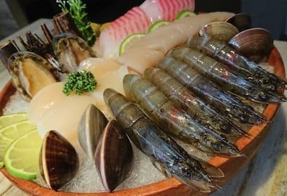 麻辣壹號店海鮮拼盤-鮑魚、白蝦、干貝、蛤蠣、鮮魚、小卷