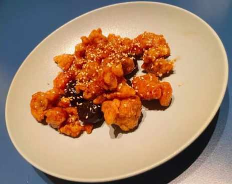 享鴨 享特色菜:陳釀梅子雞球